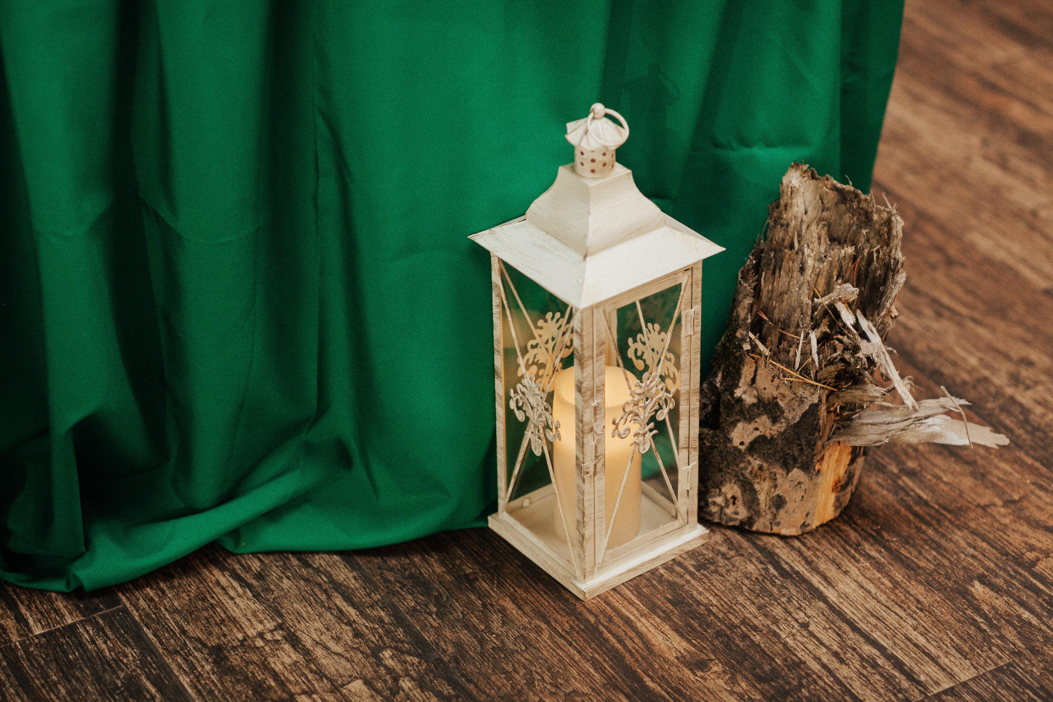 Фонарь, стекло 2 шт, высота 23  см и 17см, стоимость 500руб/штука